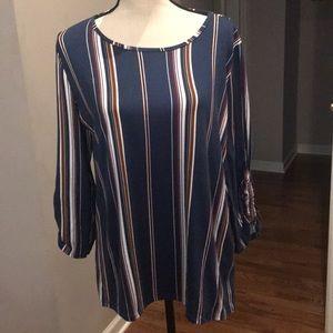 Fotia - top. XL .  Super soft! Ruched sleeves